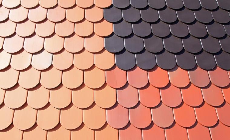 Dachówka cementowa czy ceramiczna?