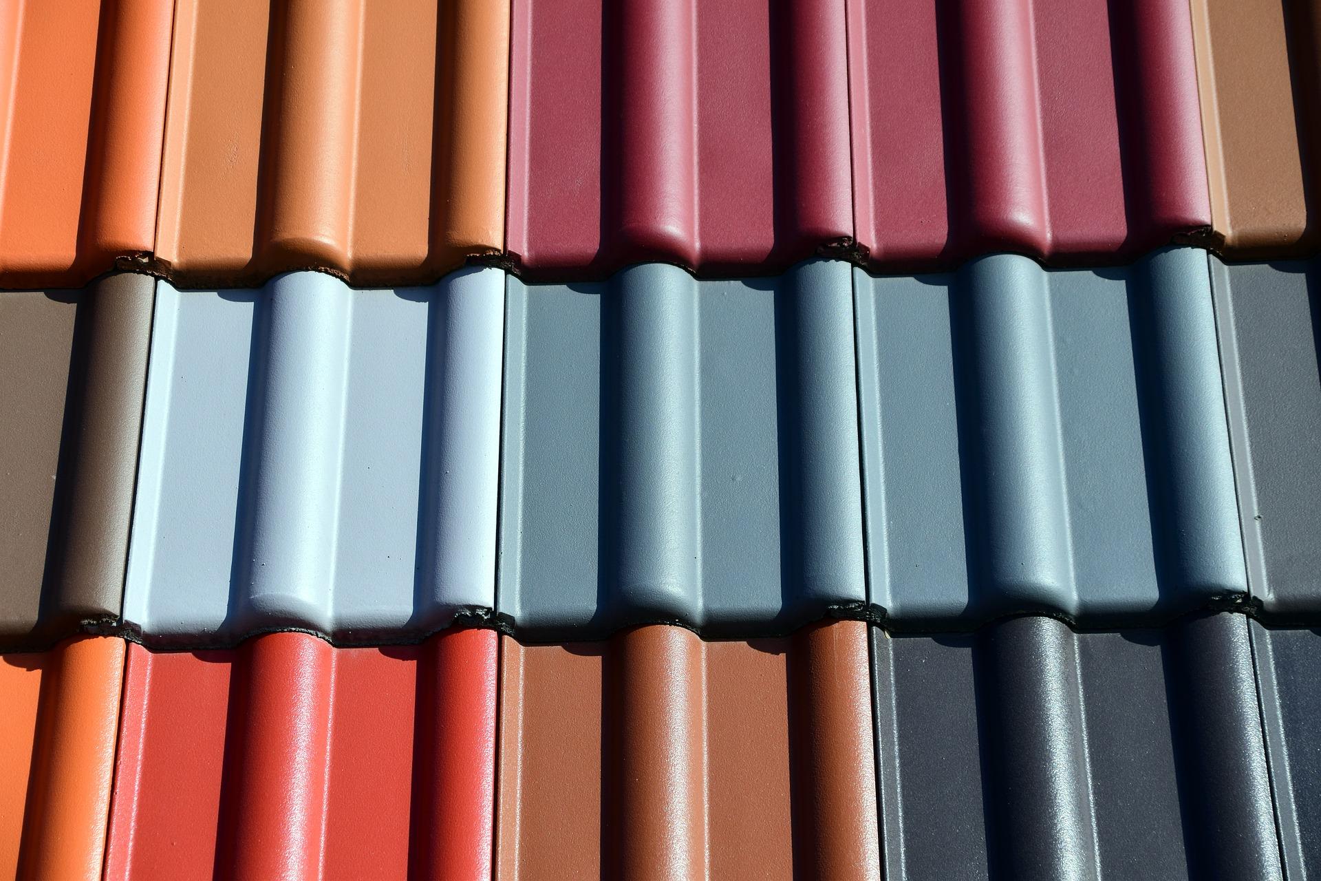 Porównanie warunków gwarancji producentów dachówek.