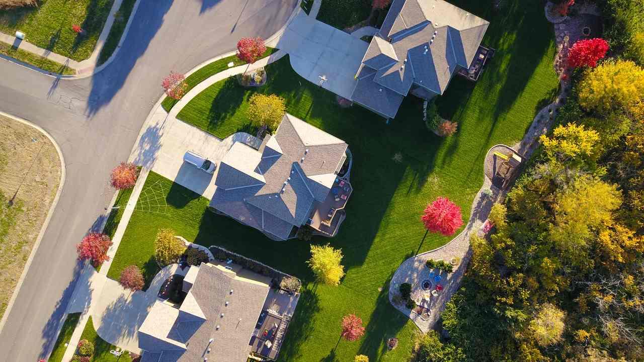 Czy wymiana pokrycia dachowego wymaga pozwolenia?